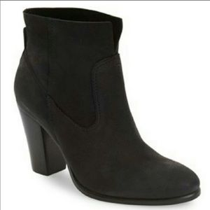 👉Vince Camuto Black Feina leather boots